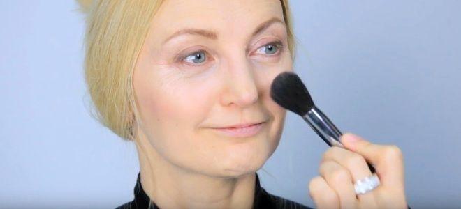 Омолаживающий макияж для лица три