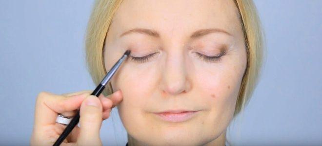 Омолаживающий макияж глаз пять