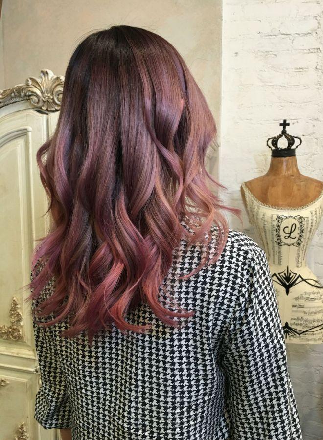 Волосы цвета молочного шоколада с розовым оттенком четыре