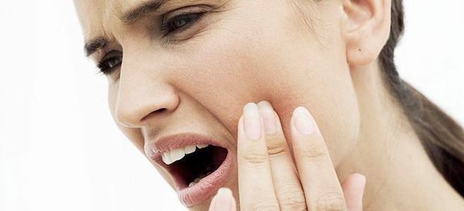 болит зуб под коронкои при надавливании