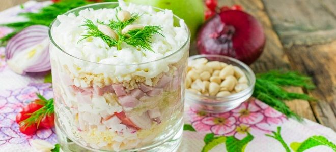 крабовый салат с ветчиной и сыром