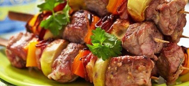 шашлык из свинины с картошкой в духовке