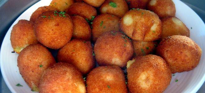 картофельные шарики с крахмалом
