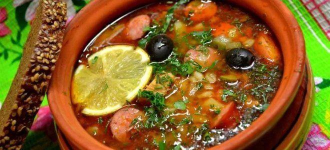 суп солянка с капустой