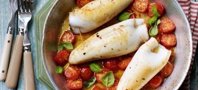Фаршированные кальмары на сковороде