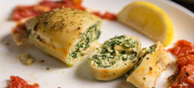 Кальмары фаршированные грибами и сыром в духовке