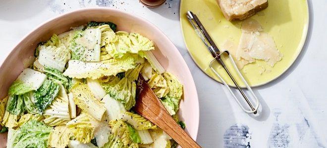 салат из пекинской капусты Цезарь рецепт