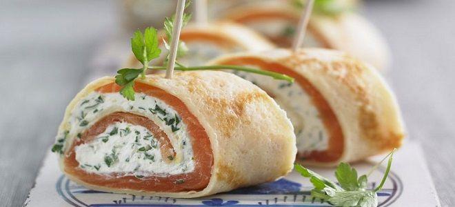 блинчики с красной рыбой и творожным сыром