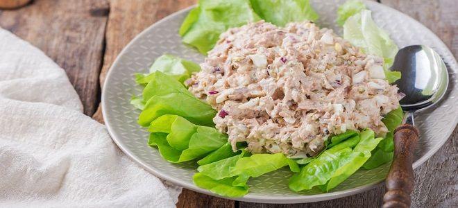 салат с консервированным тунцом и айсбергом рецепт