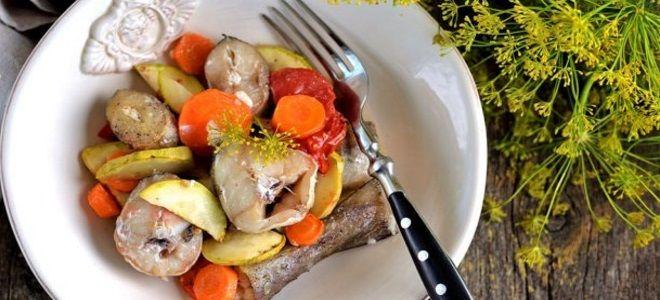 минтай запеченный в духовке с овощами