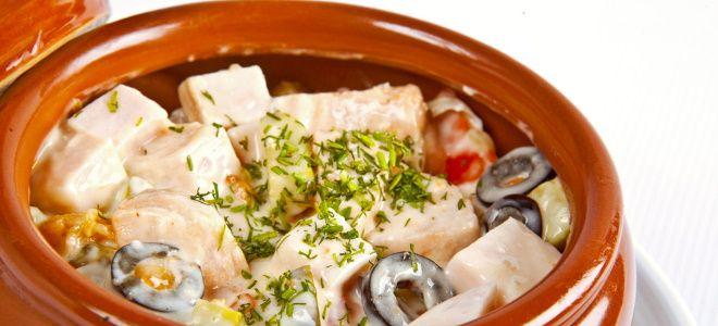 рыба в горшочках в духовке