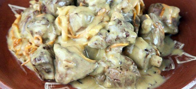 куриная печень в сметане с сыром