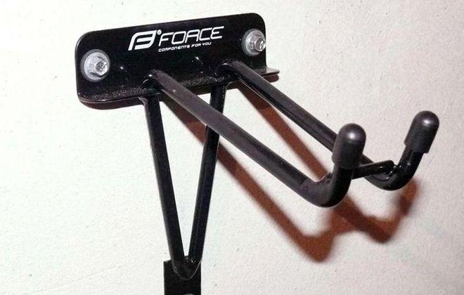 крючки для крепления велосипеда