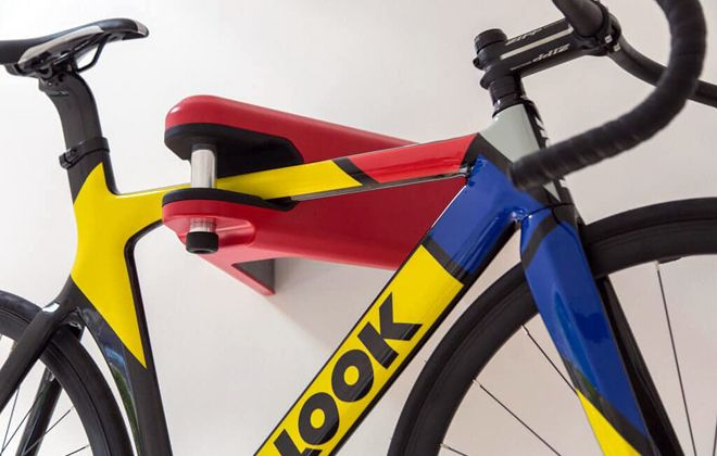 крепление с замком для велосипеда на стену