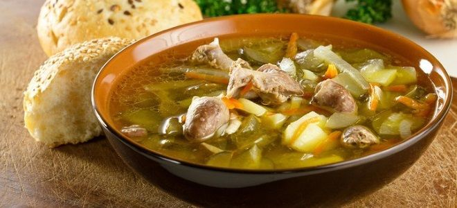 куриный суп с вермишелью и потрошками