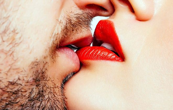 поцелуй одной губы