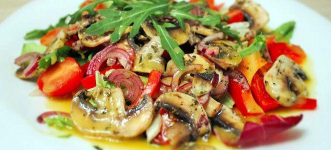 салат с грибами и помидорами