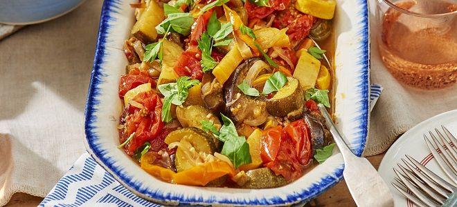 овощное рагу с кабачками и помидорами