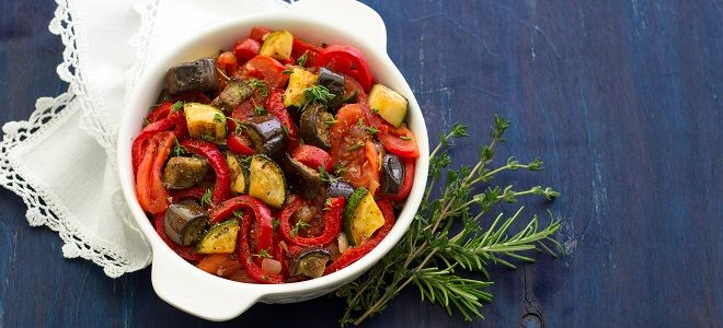 овощное рагу с кабачками и баклажнами