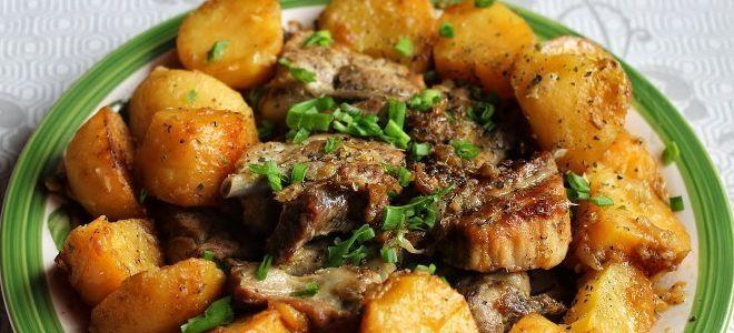 свиные ребра тушеные с картошкой