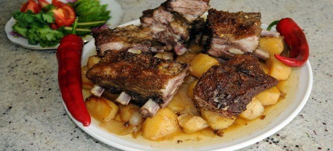 свиные ребра с картошкой в духовке в фольге
