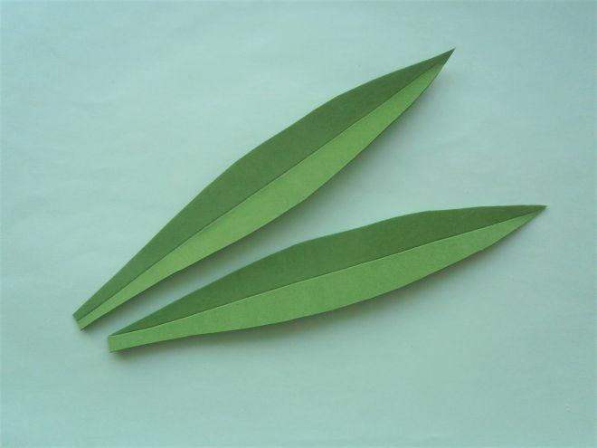 сделаем на листьях жилки