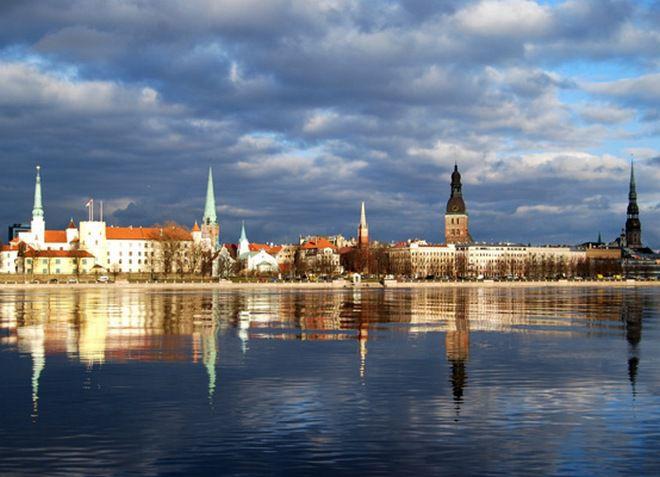 Даугава - река со столицей Латвии на побережье