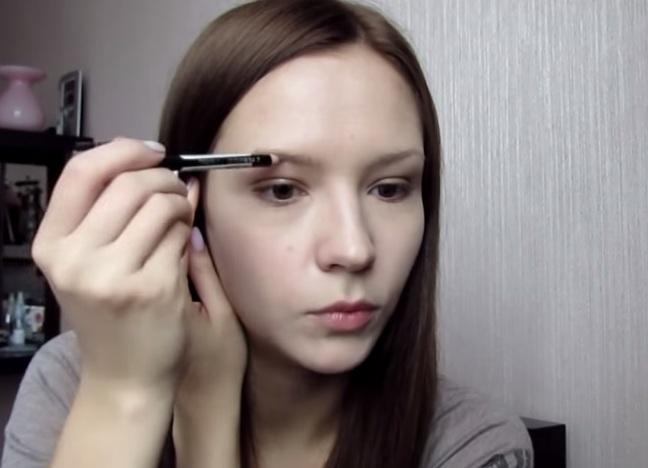 Как красиво накрасить брови карандашом