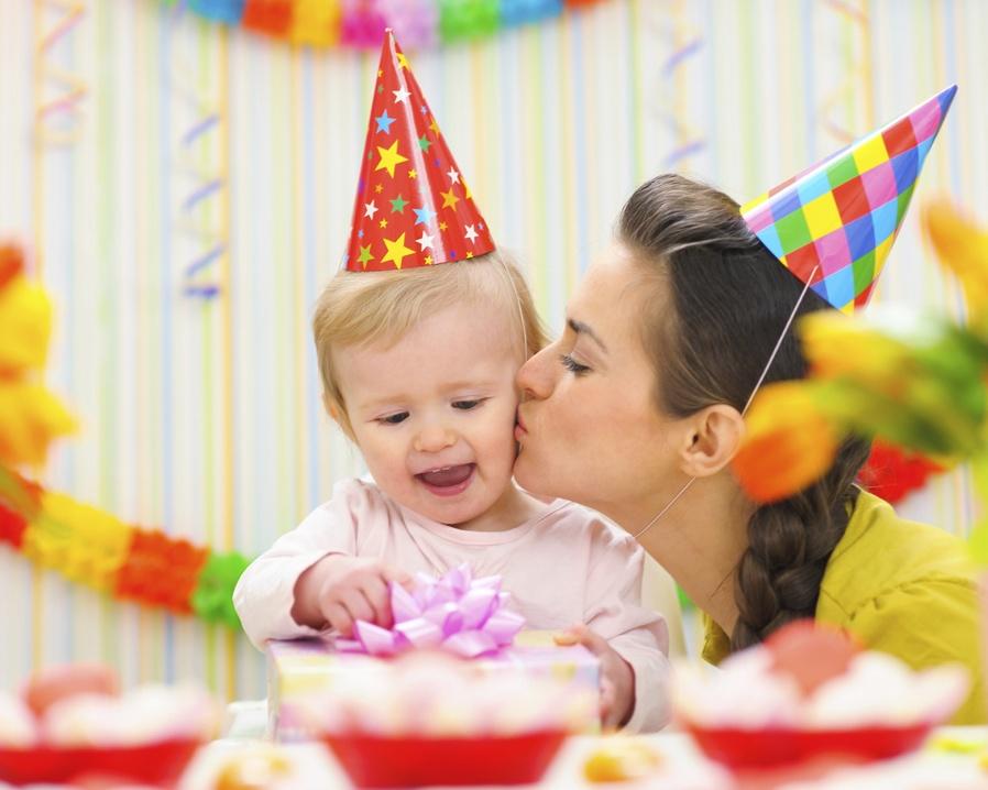 Как отметить день рождения ребенка, 2 года. Сценарий дня рождения в 2 года