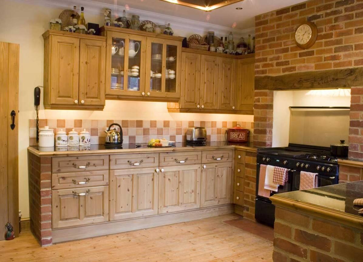 Кухонный гарнитур из кирпича фото