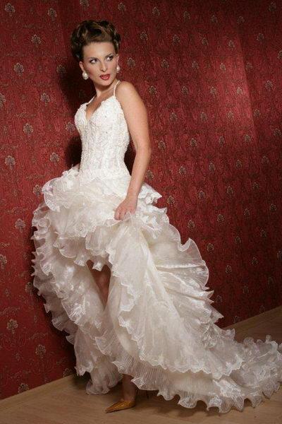62086fcb1784a48 ... Короткие свадебные платья со шлейфом 2 ...