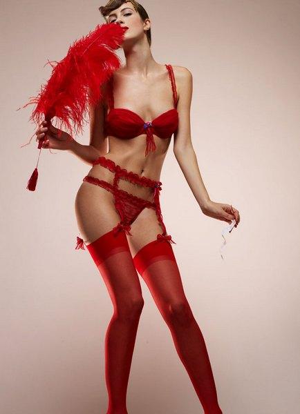 Красное белье