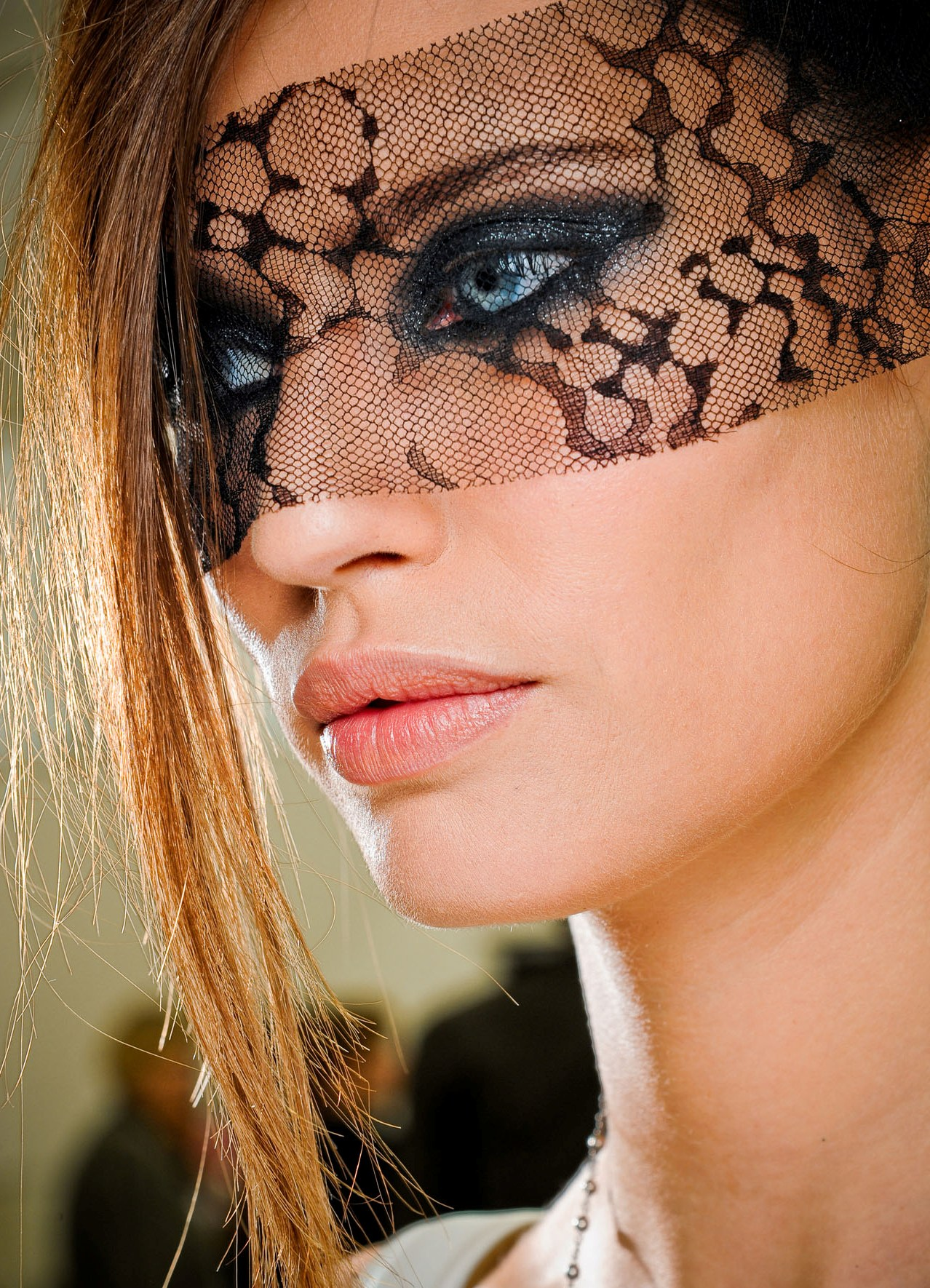 Как сделать маску на глаза фото 87