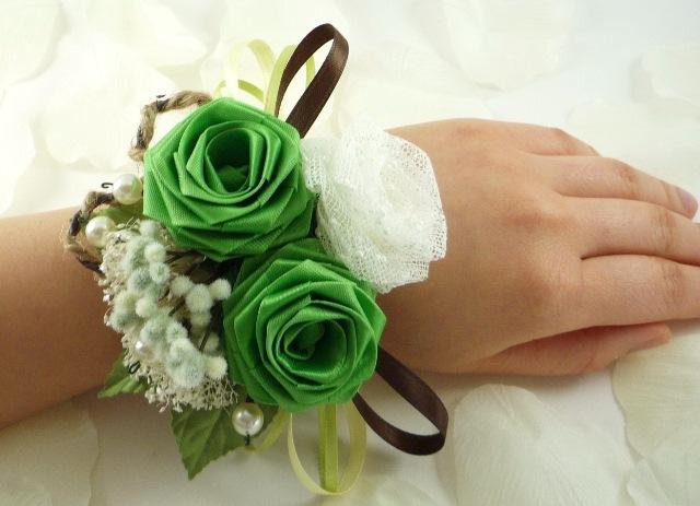 Браслеты с цветами для невесты 42