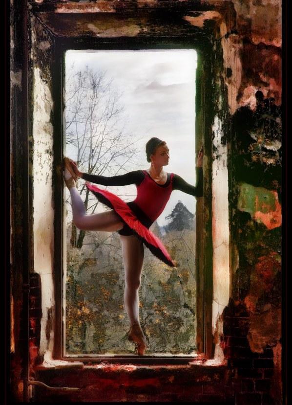 Фотосессия на развалинах фото работа в москве для девушек эскорт