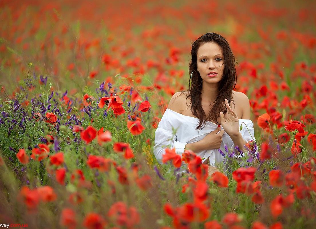 как красиво сфотографироваться в маковом поле нарисованы