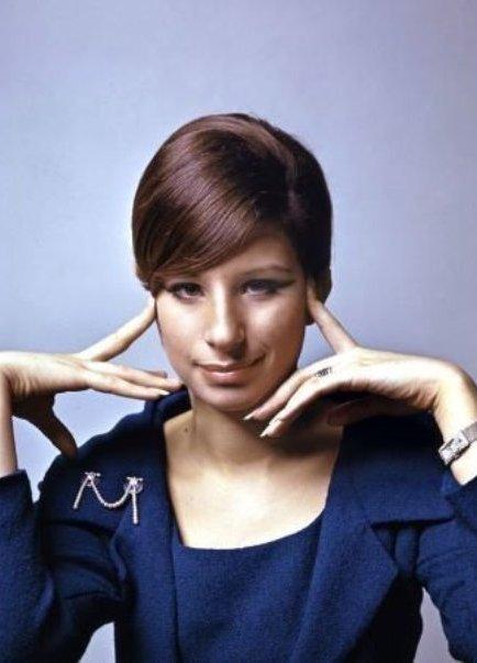 Смотреть 7 стильных идей, как носить вышиванку: примеры звезд видео