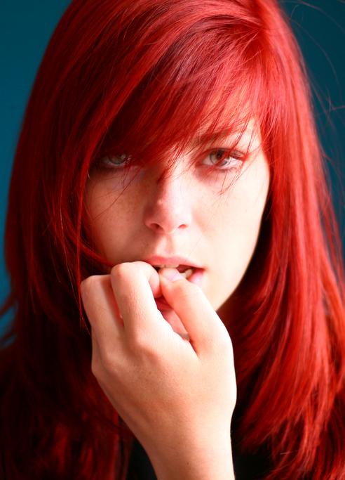 Как сделать ярко красные волосы фото 390