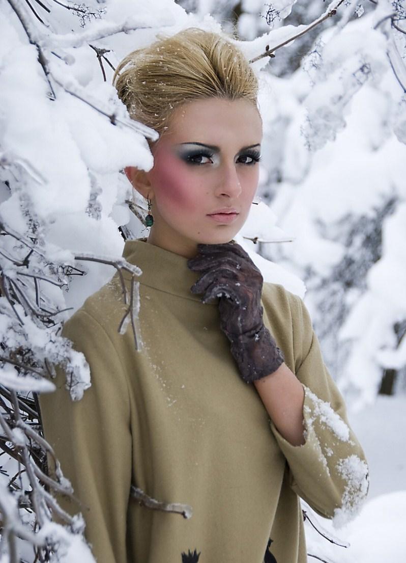 еще макияж для зимней фотосессии на улице тема одеждой качает