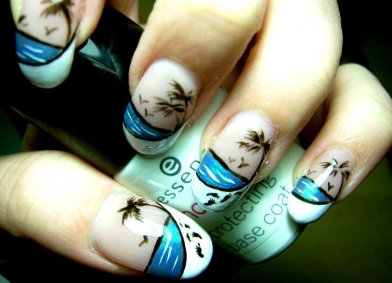 182Морской яркий дизайн на ногтях фото