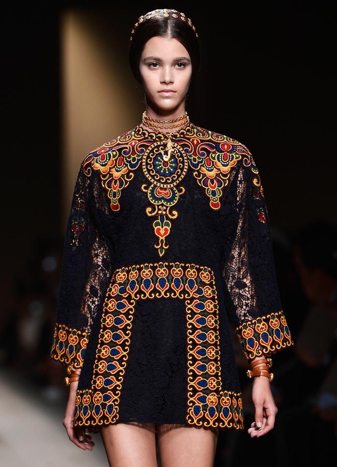современная и модная этническая одежда с фото редакция, что такое