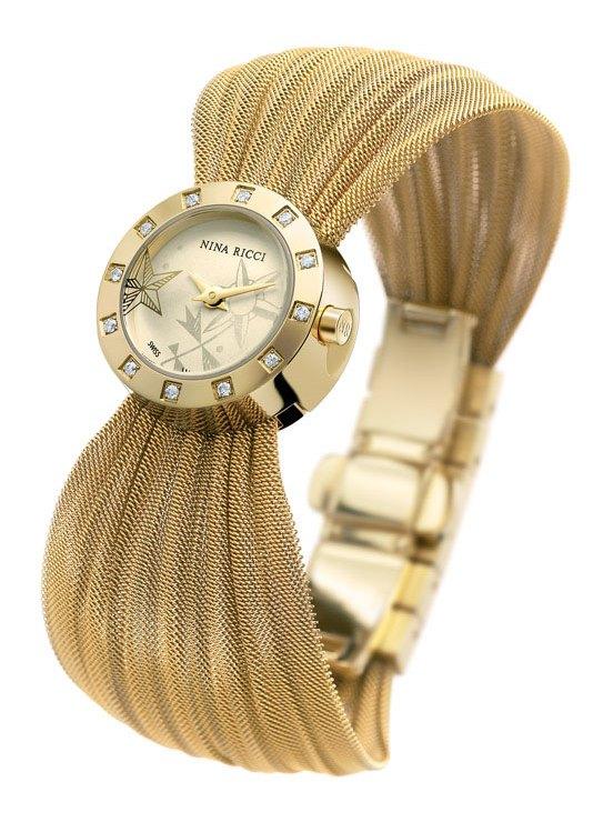 Эти часы отличаются смелыми сочетаниями материалов, чувственных изгибов и классических линий.