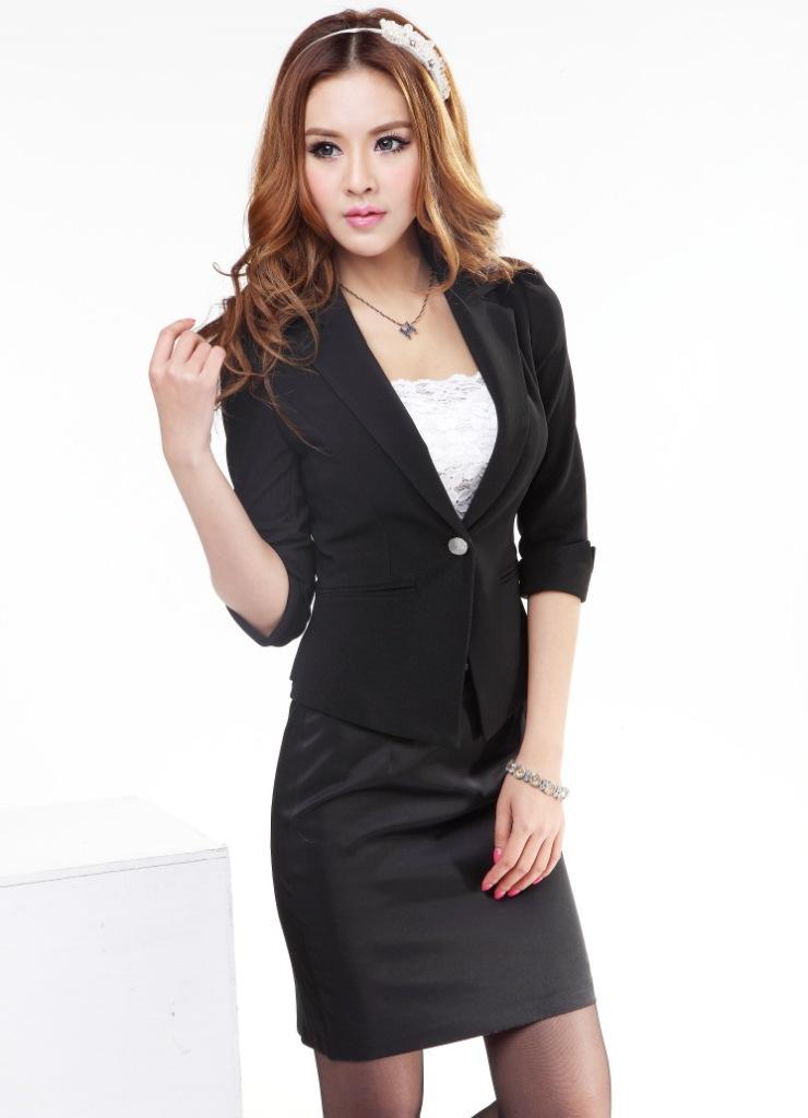 be1cac05245 Летний женский деловой костюм