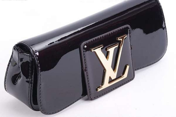 louis vuittоn клатч 1 · louis vuittоn клатч 2 ... be9d4399579