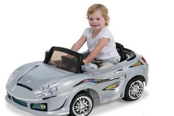 Фото детей в машинах