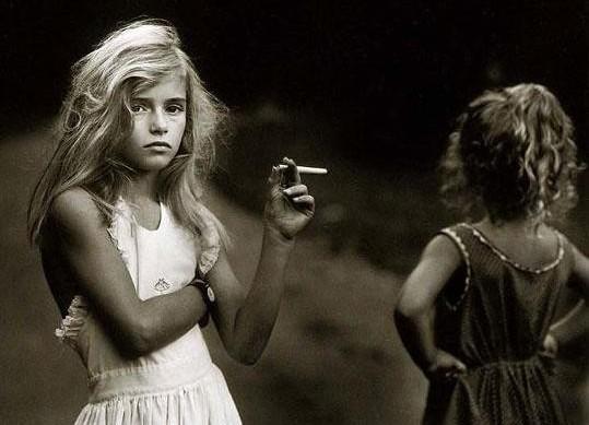 Сексуализированное поведение маленькой девочки