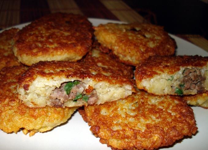 Драники с мясом, рецепт с фото Как готовить картофельные