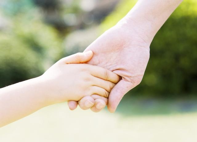 Ребенку год почему руки холодные