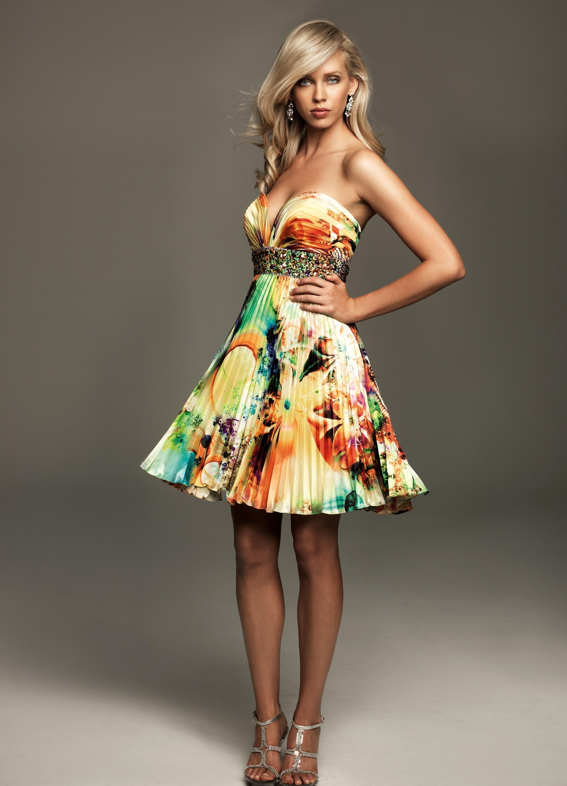 самые модные красивые платья картинки