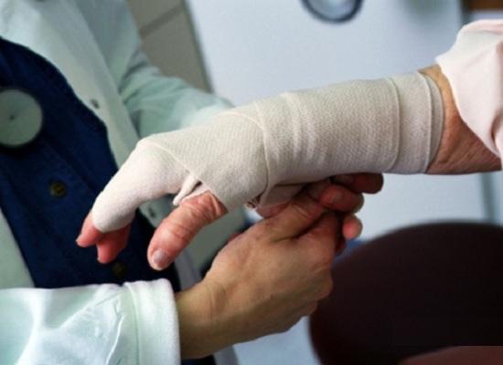Первая помощь при травмах и переломах